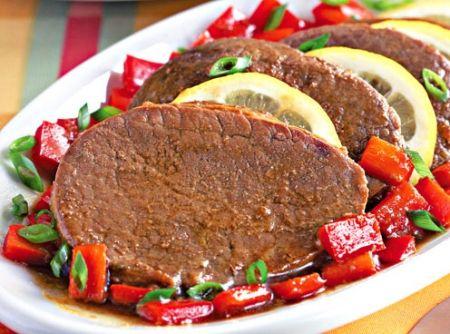Bife de panela - Veja mais em: http://www.cybercook.com.br/receita-de-bife-de-panela.html?codigo=15313