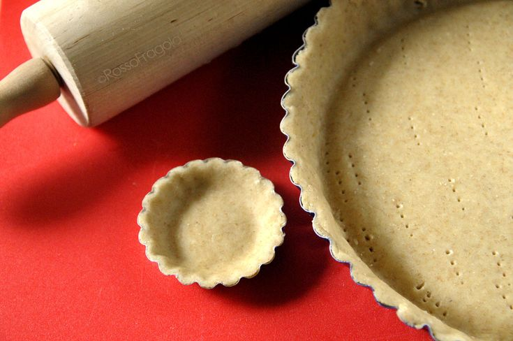 Pasta Frolla integrale per ricette salate perfette...unica ed insostituibile! RossoFragola http://blog.giallozafferano.it/myrossofragola/pasta-frolla-integrale-per-ricette-salate-perfette/