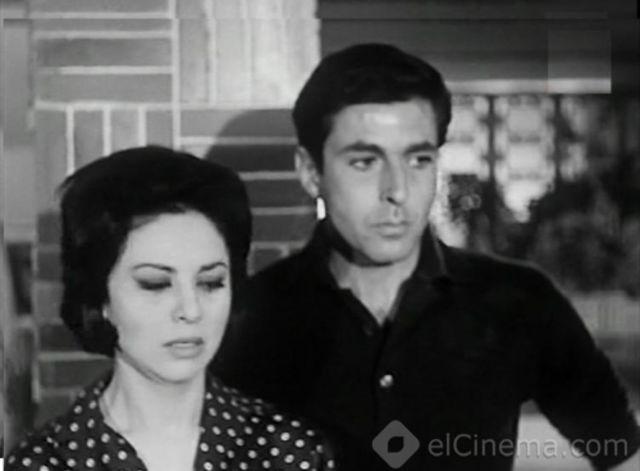 عمرو الترجمان في لقطة مع فاتن حمامة من فيلم المعجزة عام 1962 Cinema Olds Person