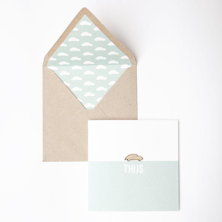 Stoer geboortekaartje met houten kever_geboortekaartje jongen_geboortekaartje hout_oud groen_kraft envelop #www.studiokuuk.nl