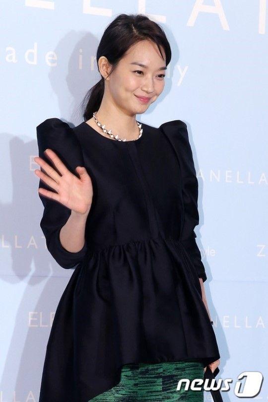 신민아 '변치 않는 동안 미모' :: 네이버 TV연예