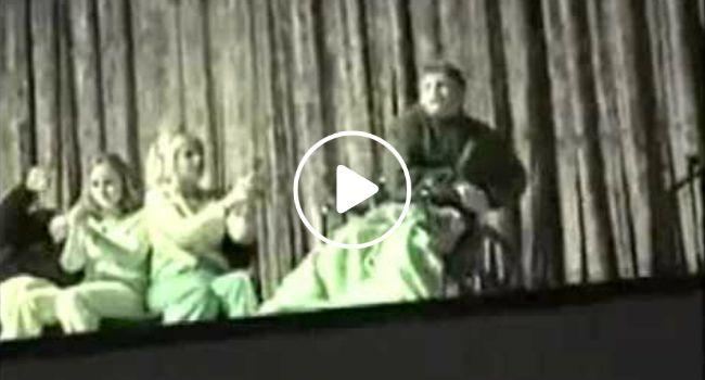 Jovem Em Cadeira De Rodas Faz o Inesperado Durante Sessão De Hipnotismo