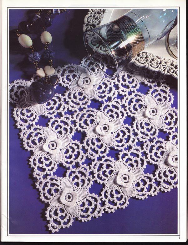 O quadradinho que foi utilizado nesta peça decorativa, ficaria muito interessante também em vestuário.....         GRAFICO CLIQUE AQUI     ...