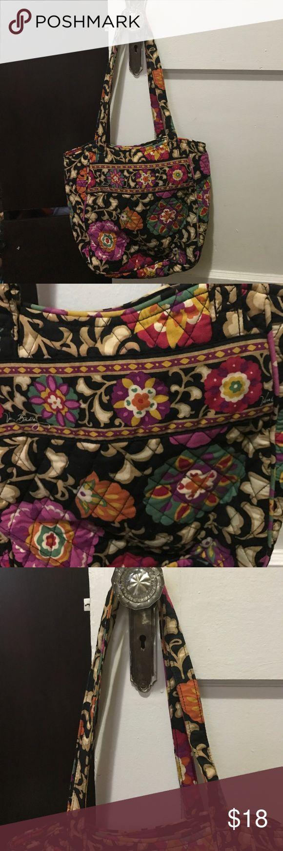 Vera Bradley Tote Bag Used but in great condition. Beautiful Tote bag Vera Bradley Bags Totes