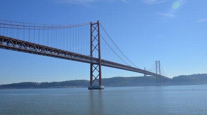 Qué ver en Lisboa en 3 días Lisboa, la gran desconocida de Europa. No se muy bien porque nunca había estado interesada en viajar a Lisboa. Quizás por su cercanía pensaba que era un destino que ni fu ni fa, pero os tengo que decir que Lisboa es una ciudad encantadora con unos barrios impresionantes …