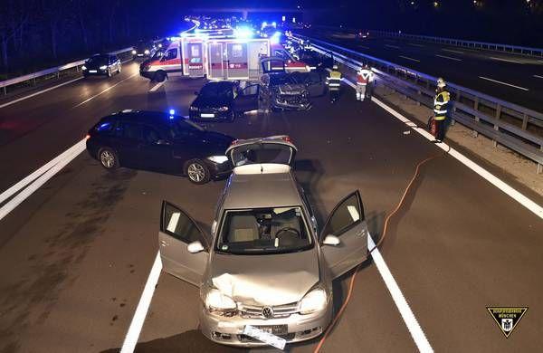 München: Drei Verletzte bei Unfall auf der A8