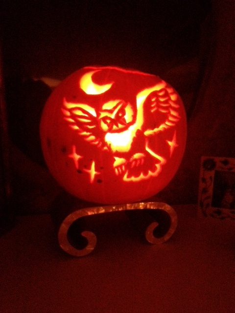 Fantastic pumpkin carving by singer Lily Allen. Hard not to get a Harry Potter vibe with glowing owls.