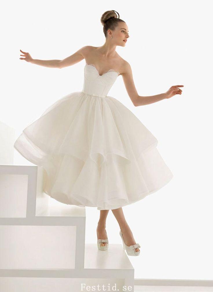 Fantastic Vit Balklänning Sweetheart Halsringning Te Längd Organza Brudklänning