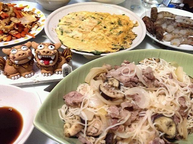 ヒラヤーチー 人参しりしり ソーメンチャンプル  初めて作ってみました(*´∀`) - 8件のもぐもぐ - 沖縄料理に挑戦 by marukin749