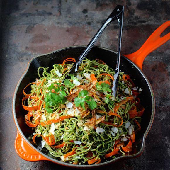 Edamame Spaghetti with Kale Cilantro Pesto. Pasta made from soybeans only. #GlutenFree #LowCarb #BeanPasta