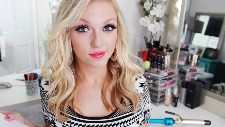 My Go-To Messy Waves: A Hair Tutorial