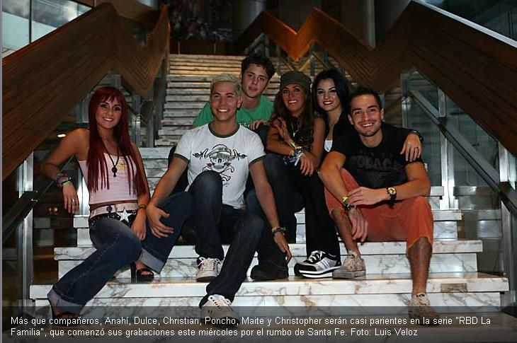 "RBD, mexican band, to tv programa ""RBD la familia"" 2007"