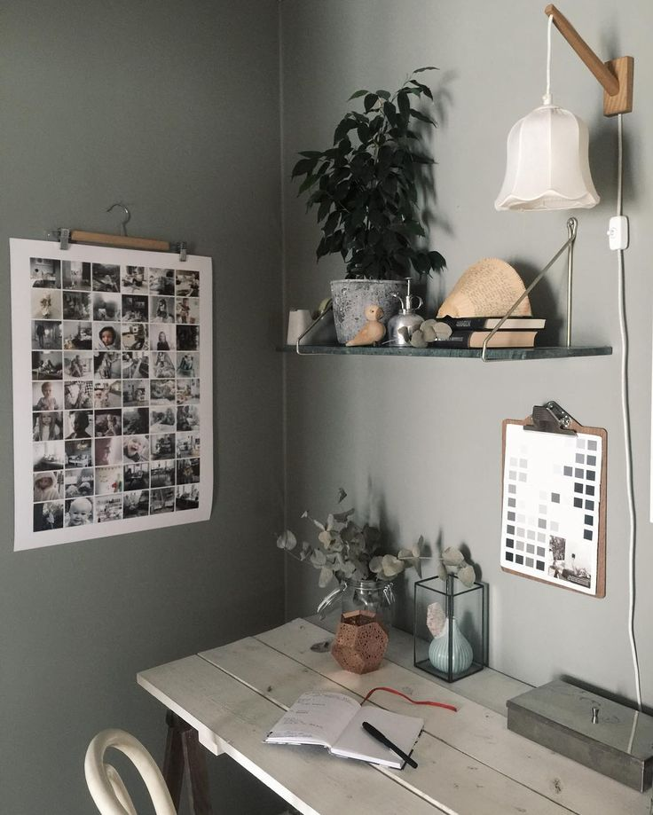 Creative workspacke – the wall is painted in color Mossa 801 from Beckers. Cred to interior stylist Elin Wallin.