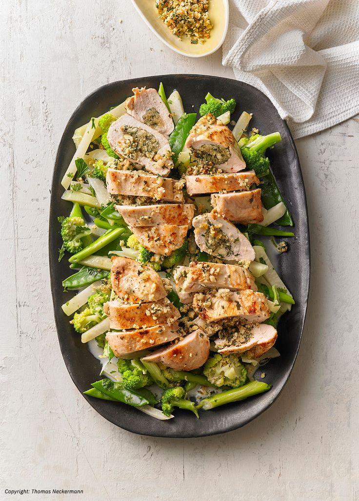 Gefüllte Hähnchenfilets auf grünem Frühlingsgemüse – Chefkoch