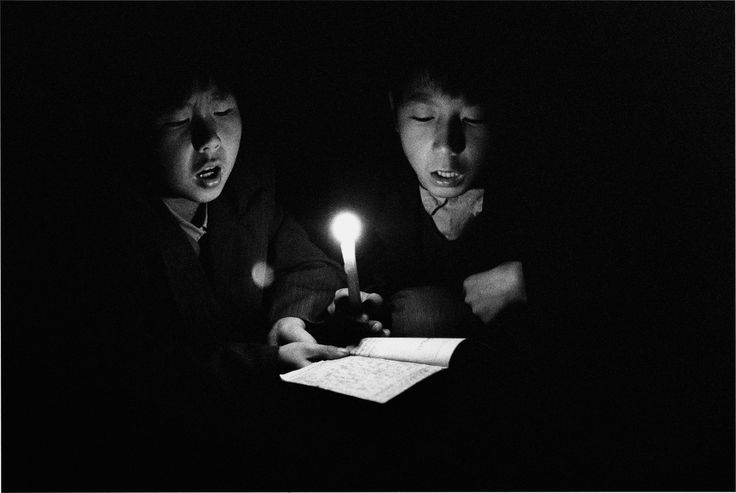 CHINA. Shanxi Province. 1995. Youngsters practicing hymns during Easter celebrations.