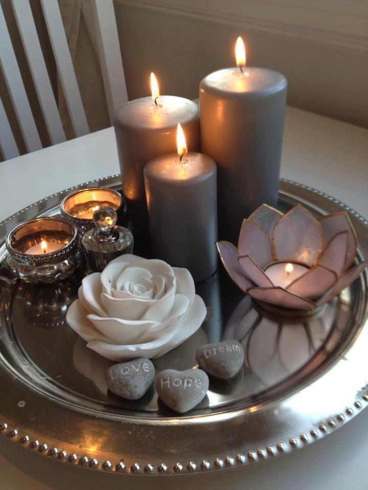 Ein silbernes Tablett mit schönen Dingen #dingen…
