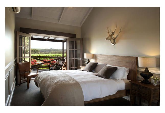 Looking for the perfect place to stay for your weekend getaway? This may be the one! The Vineyard McLaren Vale has an amazing house located in Adelaide's McLaren Vale. Click on the image to view more information about the places to stay in McLaren Vale during the holidays.