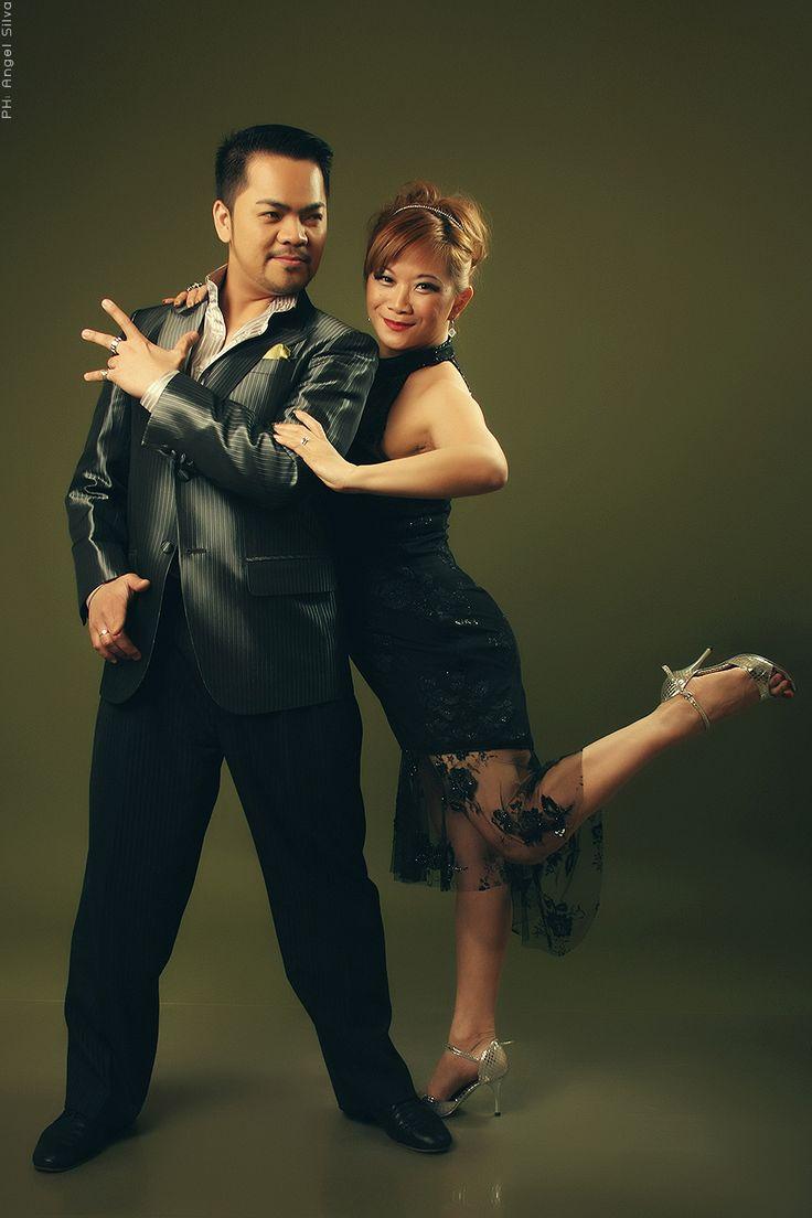 Bailarines: (CHINA) Lily Tan y Gennysan Alcantara PH: Angel Silva Asesora de imagen: Silvia Toscano Maquillaje y peinado: Gloria Lopéz Estudio: Ojotestigo www.ojotestigo.com.ar