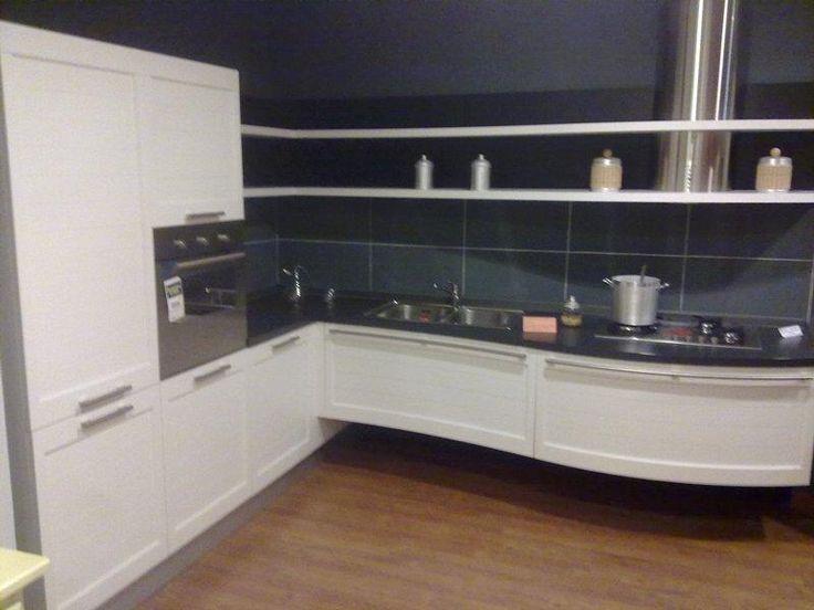 cucina laccato poro aperto bianco € 4.000,00