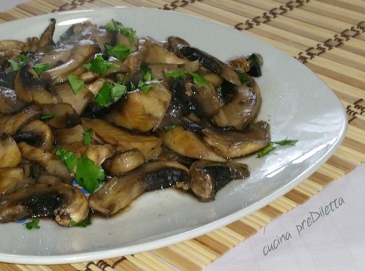 I funghi trifolati sono un ottimo antipasto, o contorno, per carne, pesce e altro. La ricetta dei funghi trifolati è molto facile e veloce da preparare e...