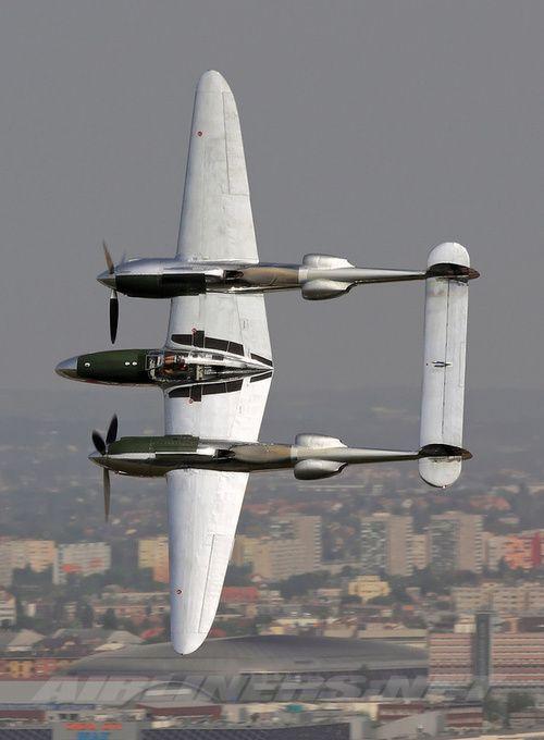 "WWII era fighter aircraft - Lockheed P-38 Lightning: ""Fork-Tailed Devil"" (der Gabelschwanz-Teufel)"