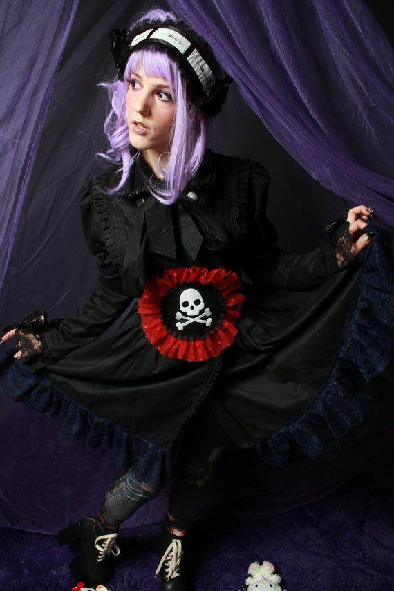 OOAK Embroidered Skull and Bones Belt by fluffergirl on Etsy