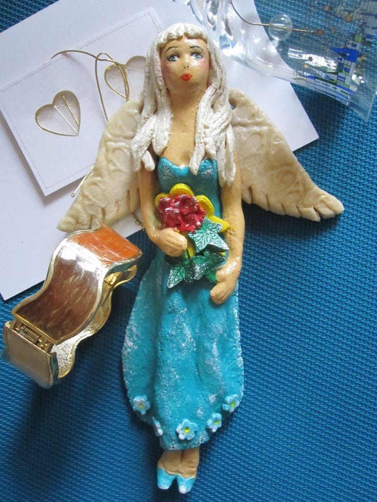 Niebieska Anielica Masa solna, farby akrylowe.