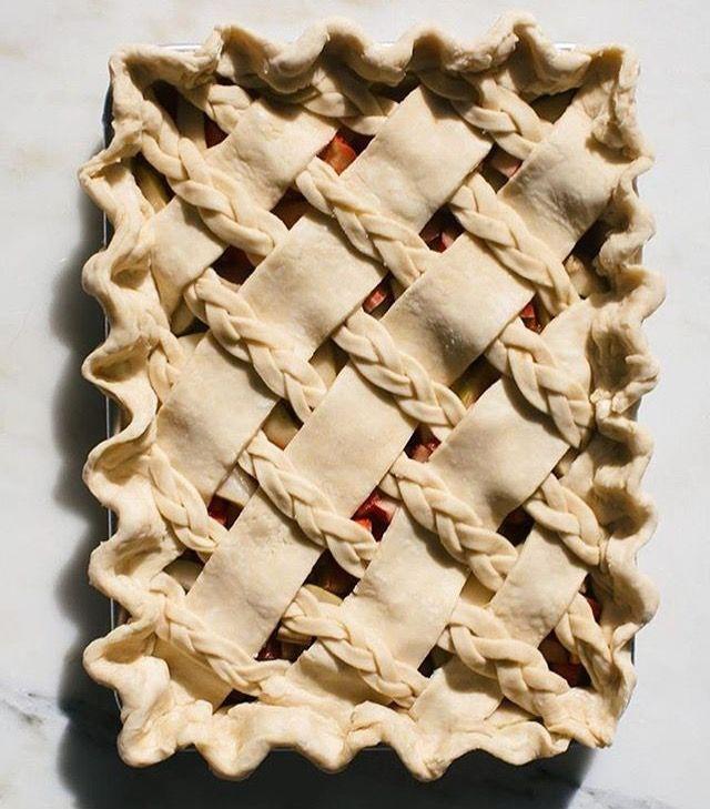 Slab pie with lattice