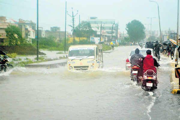 http://i9.dainikbhaskar.com/thumbnail/600x519/web2images/www.divyabhaskar.co.in/2013/09/25/0947_bha_rain8.jpg
