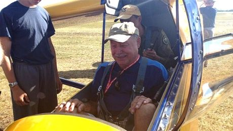 Pilot returns - Gimli glider