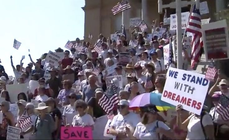 Oakland protest Sunday, 9/10/17 support for Dreamers.
