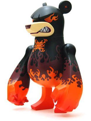 KnuckleBear (ナックルベア) - Waverlord figure by Touma, produced by Wonderwall. Side view.