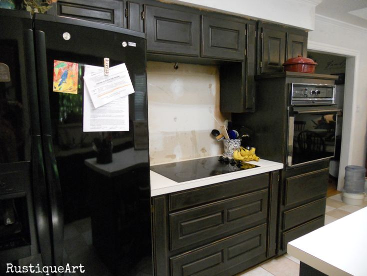 Annie sloan graphite we used the dark wax after for Annie sloan chalk paint kitchen cabinets before and after