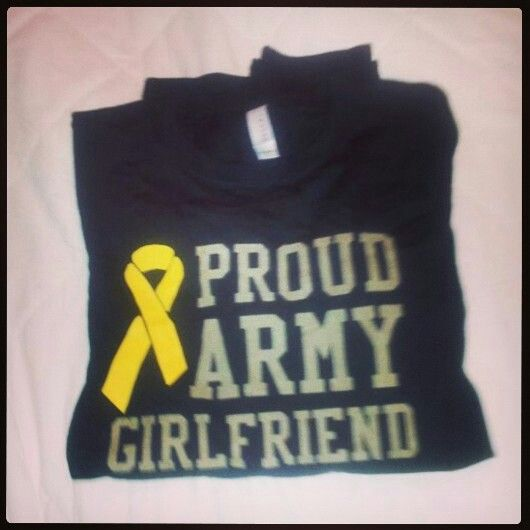 Proud Army Girlfriend Shirt! omg, want.