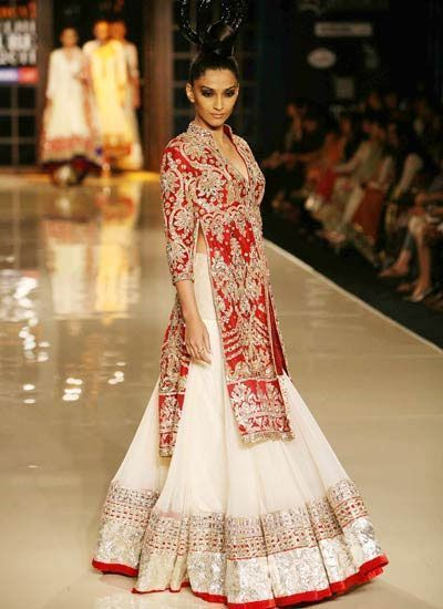 10 Best Manish Malhotra Bridal Collection Lehenga Designs with Price Tags
