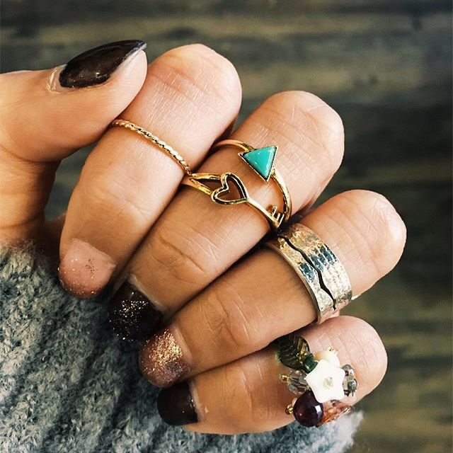 Put a ring on it 👌🏼  •  •  •  #goodthings #sweetjewels #ringsandthings