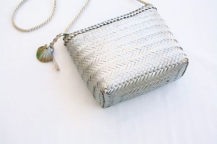 Vintage Straw Bag Silver Wooden Shell Basket Woven Tassel Handbag Summer Boho  | eBay