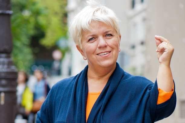 La croissance de Mimie Mathy en forte hausse à la surprise générale - http://boulevard69.com/la-croissance-de-mimie-mathy-en-forte-hausse-a-la-surprise-generale/?Boulevard69
