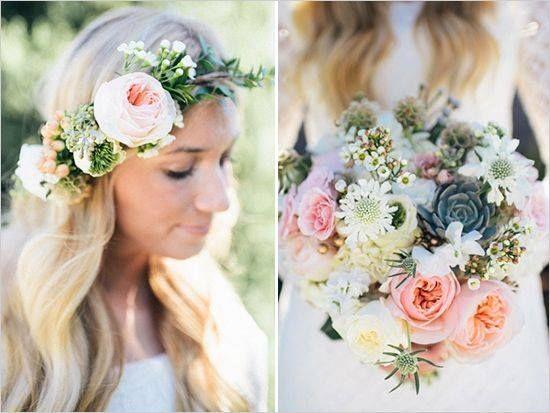 Apaixonadas por esse bouquet e headpiece que se combinam perfeitamente e ao mesmo tempo são diferentes. Muito lindo! Inspiração para as nossas noivinhas. {via Lápis de Noiva | foto Brooke Davis}