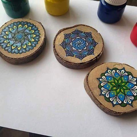Odun dilimleri üzerine çizdiğim mandala çalışmam