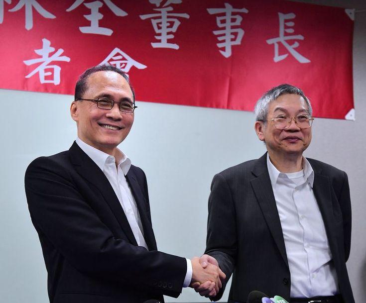 林全在卸下行政院長一職後,短短4個多月,就投入台灣東洋製藥公司的懷抱。他的倉促轉身,有違反「旋轉門條款」之虞。這個決定對他來說...