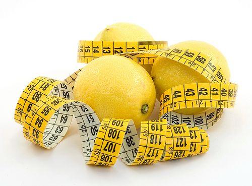 Dieta del limone per dimagrire in pochi giorni e depurare l'organismo
