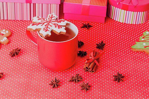 NadyaEugene Photography - tea and christmas cookies, holiday concept