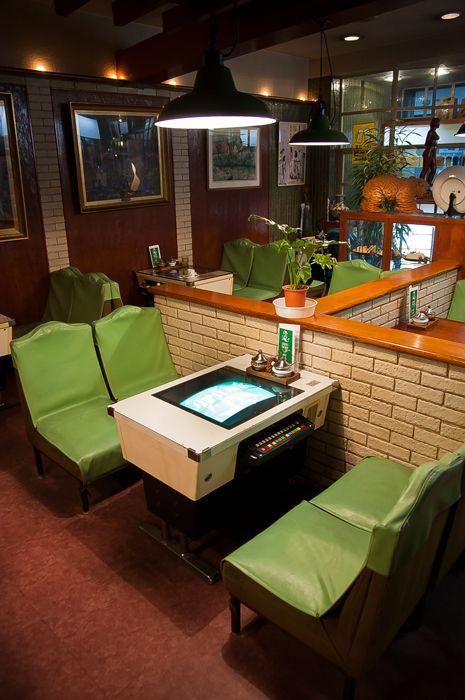 『インベーダーゲーム機のある喫茶店「純喫茶 パインツリー」との邂逅』