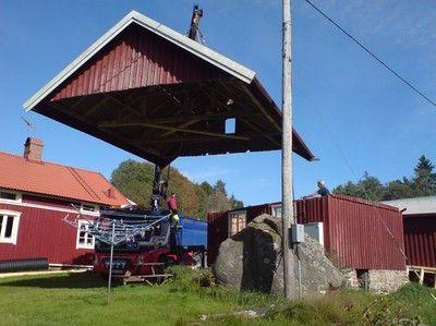 Lyfter taket på torpet och bygger uppåt