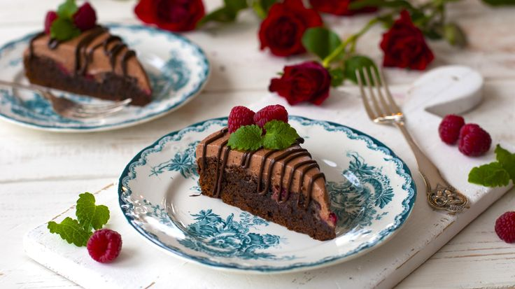 Brownies med bringebær og trøffelkrem