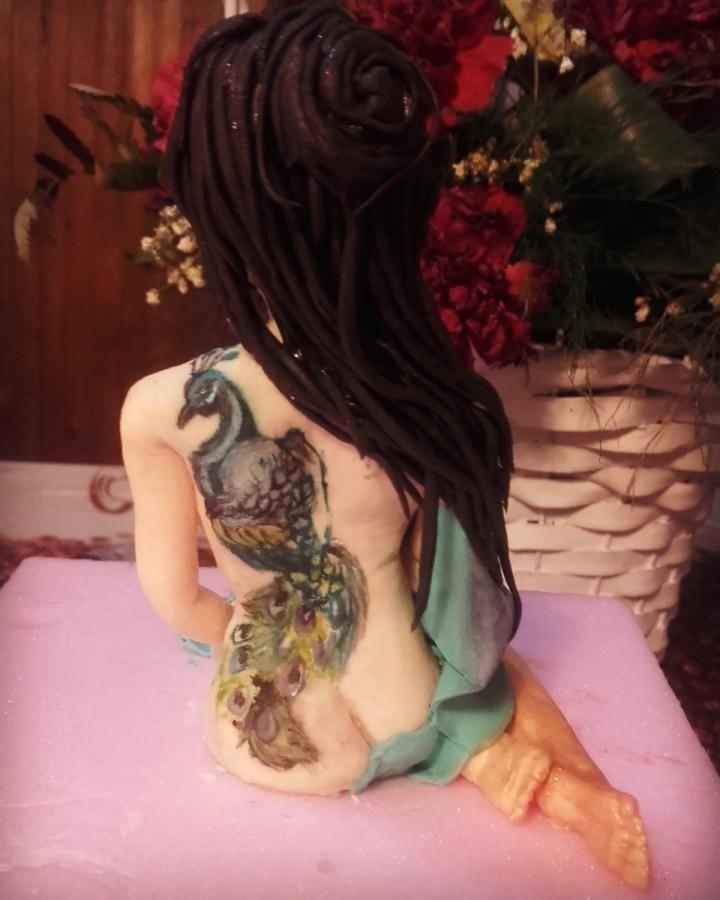 Tatto sugar figure - cake by EmyCakeDesign