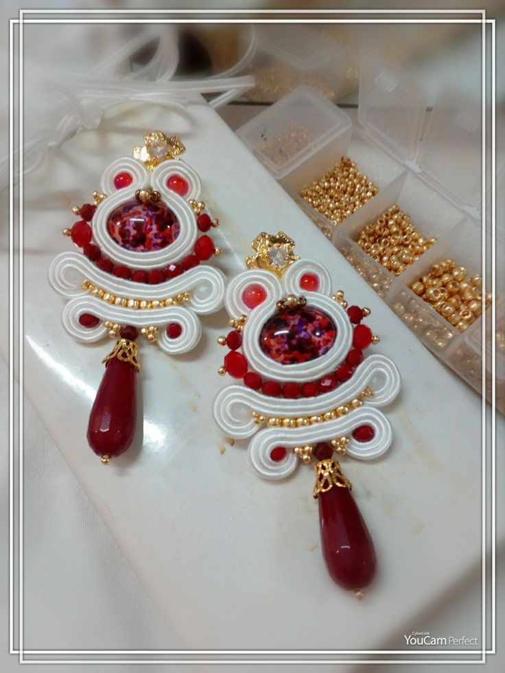rosalindalongo22.blogspot.it  https://www.facebook.com/rosalinda.longo https://www.facebook.com/pages/Roxies-Creations/1425843984294757