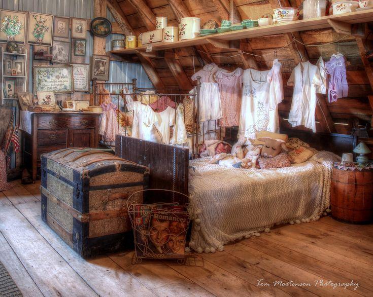 1930s Young Ladies Bedroom