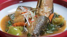 Resep dengan petunjuk video: Pindang Bandeng adalah salah satu hidangan wajib yang ada pada saat Imlek. Selain enak, Pindang Bandeng juga bermanfaat untuk menghangatkan badan. Bahan: 1 ekor ikan bandeng, bumbu halus :, 9 siung bawang merah, 2 cm kunyit, bakar, 3 siung bawang putih, 2 buah cabai merah besar, 1 btr kemiri, sangrai, Bahan tumisan:, 2 cm lengkuas, 1 cm jahe, 1 btg serai, 4 lbr daun jeruk, 2 lbr daun salam, 200 ml Air, 1 sdmkecap manis, 6 buah rawit merah, 3 buah tomat hijau, 25…